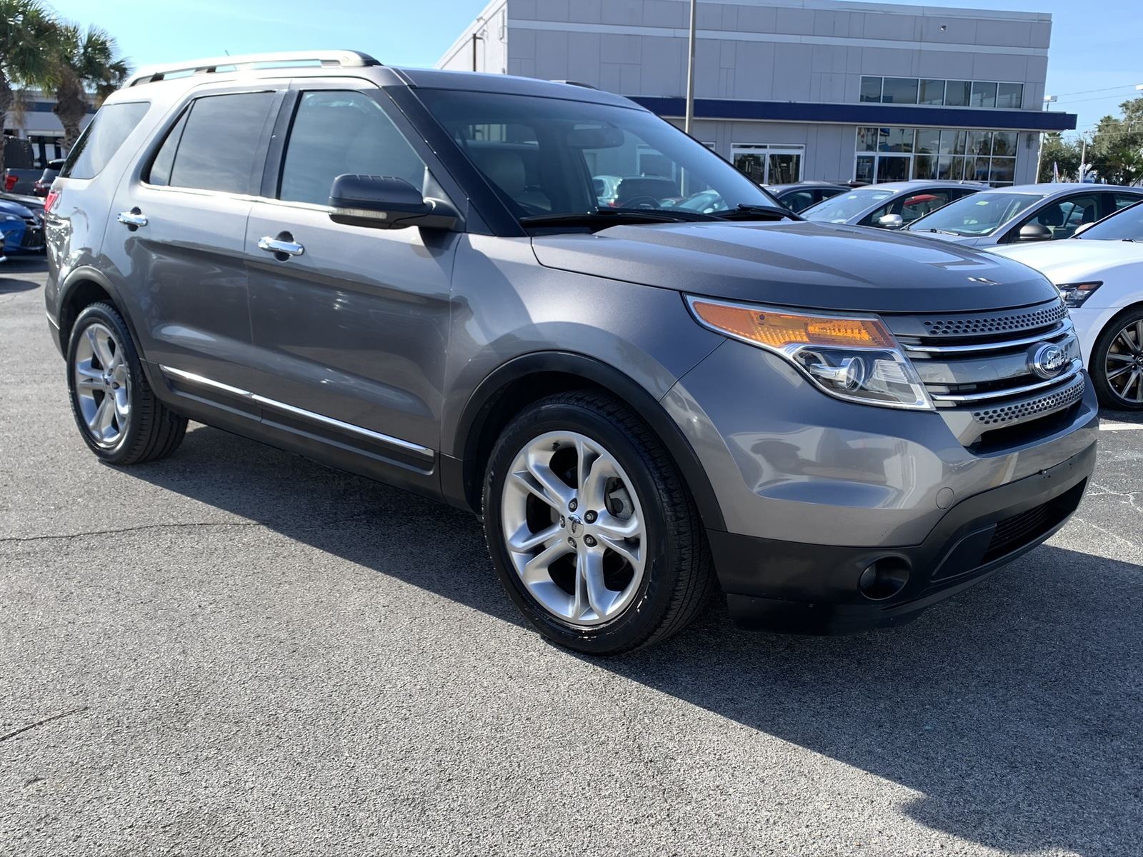 Pre-Owned 2011 Ford Explorer FWD 4dr Limited