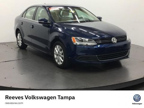 Certified Used Volkswagen Jetta 4dr Auto SE w/Connectivity/Sunroof