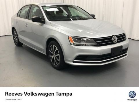 Certified Pre-Owned 2016 Volkswagen Jetta 4dr Auto 1.4T SE