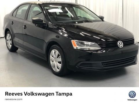 Certified Pre-Owned 2014 Volkswagen Jetta 4dr DSG TDI Value Edition