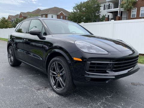 New 2019 Porsche Cayenne AWD With Navigation & AWD