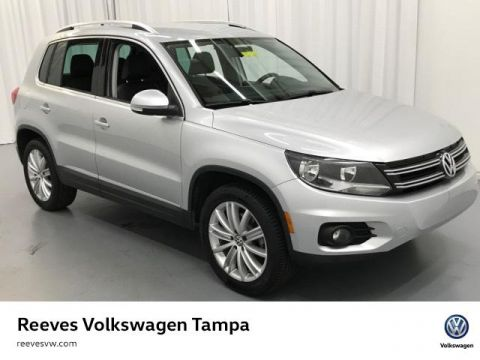 Certified Pre-Owned 2014 Volkswagen Tiguan 2WD 4dr Auto SE w/Appearance
