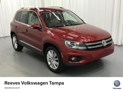 Certified Pre-Owned 2014 Volkswagen Tiguan 4MOTION 4dr Auto SE w/Appearance