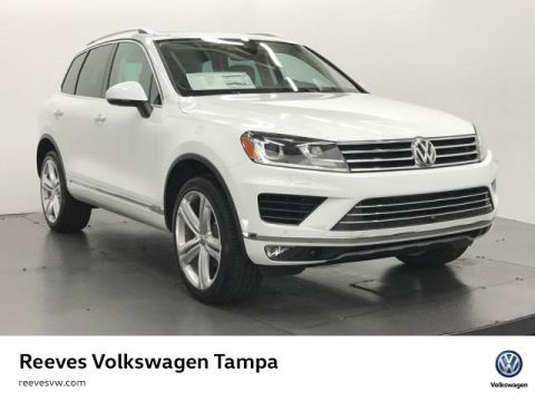 New 2017 Volkswagen Touareg V6 Executive With Navigation & AWD